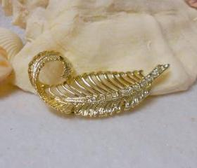 Vintage Feather Brooch Pin